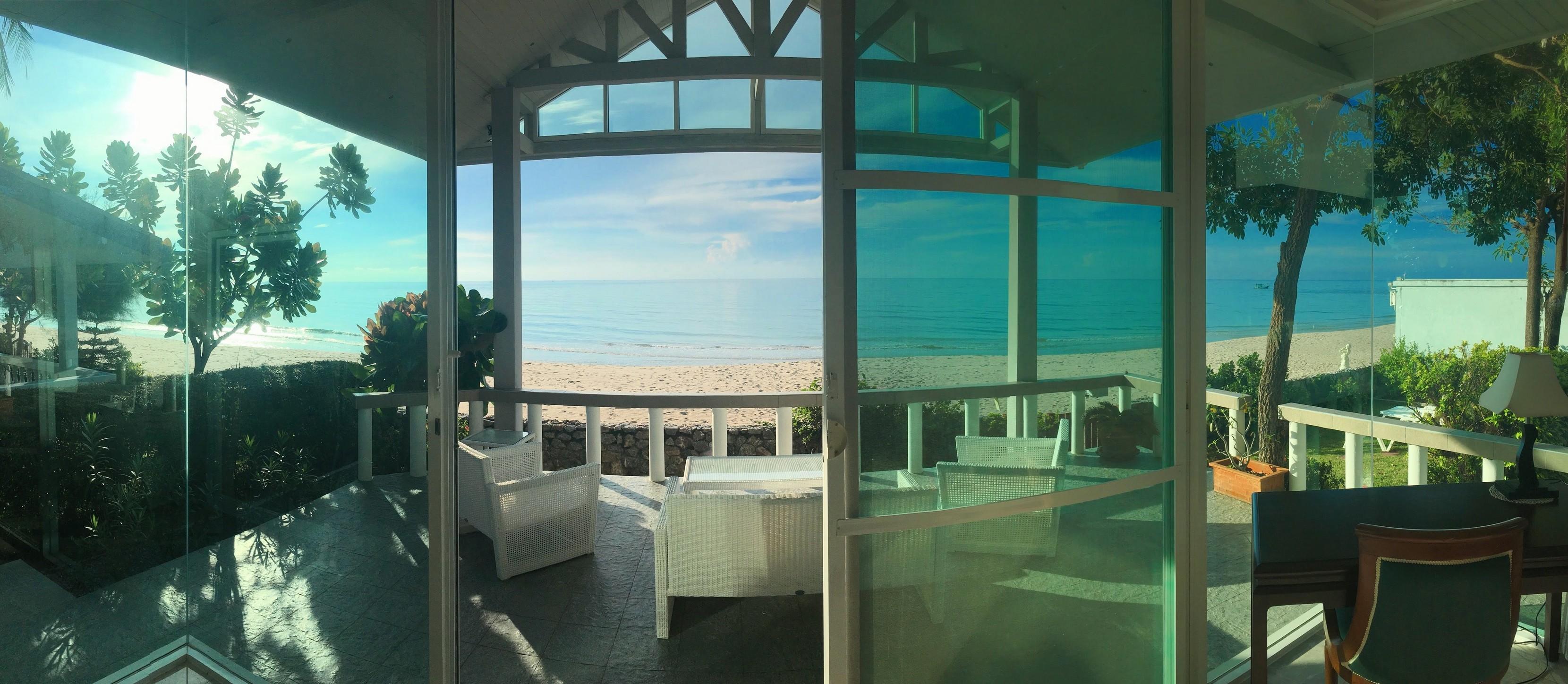 Panoramabild på utsikten från master bedroom.